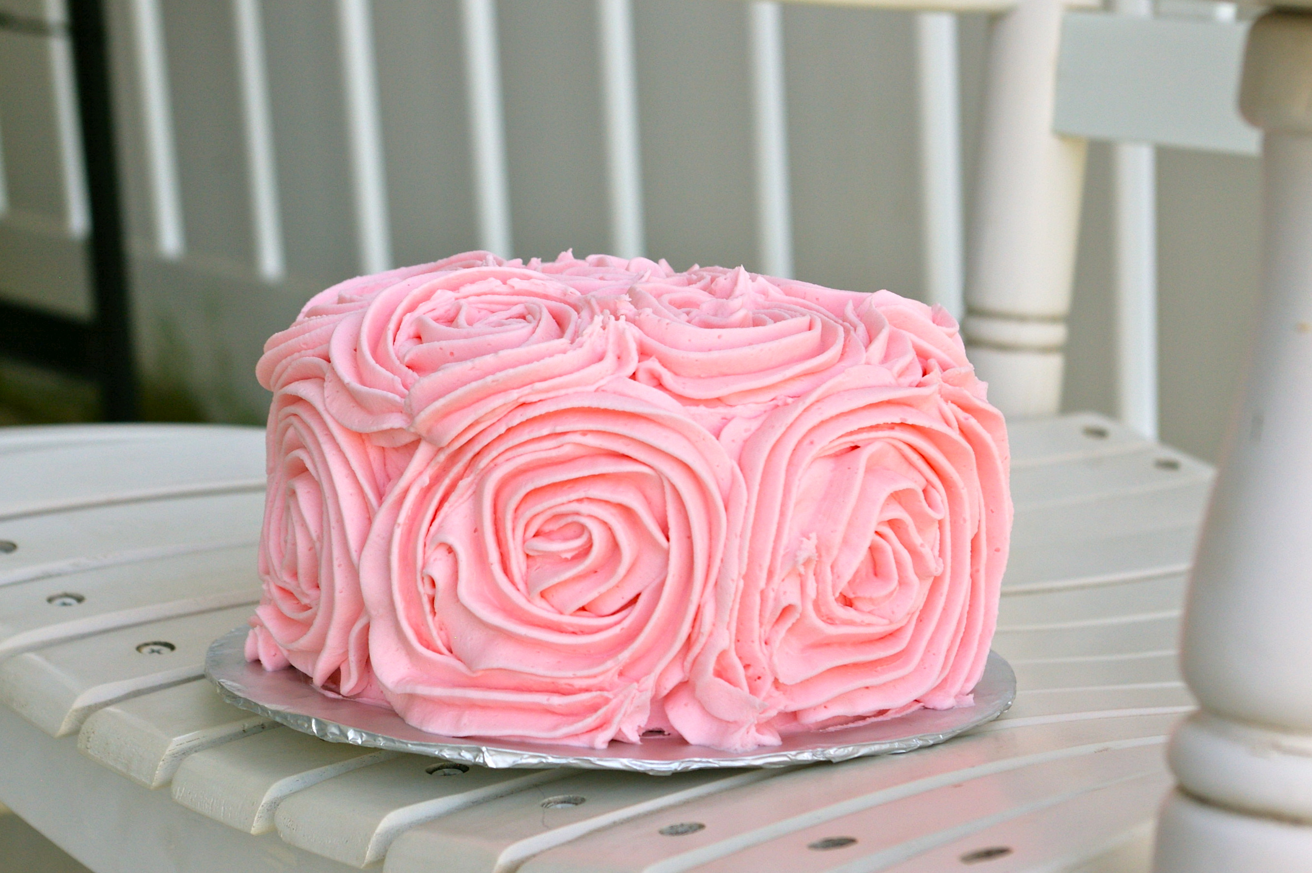 Cake Design Small : Rose Cake by small means